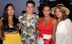 Tongs, paréos et chemisettes : la soirée plage de Stéphanie de Monaco sur le Rocher
