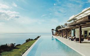 En images : la villa à 120.000 euros de Meghan et Harry à Ibiza