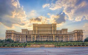 À Bucarest, un élan euphorique de l'art attire un marché à l'affût