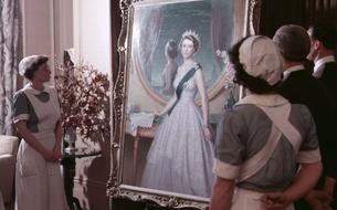 Elizabeth II augmente tous les membres de son personnel après une année éprouvante