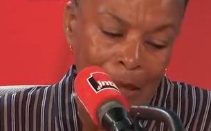 Christiane Taubira submergée par l'émotion à la lecture d'un passage de son livre