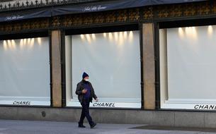 Chanel et Hermès renoncent au chômage partiel et maintiennent le salaire de leurs employés pendant l'épidémie