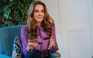 Kate Middleton recycle (encore) une ancienne blouse Gucci