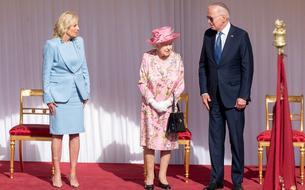 Joe Biden sous le charme d'ElizabethII :