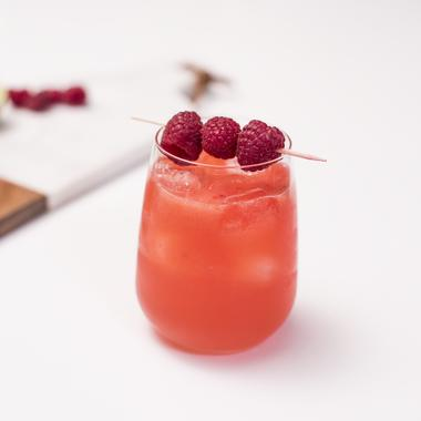 Cocktail pétillant triple sec et framboise