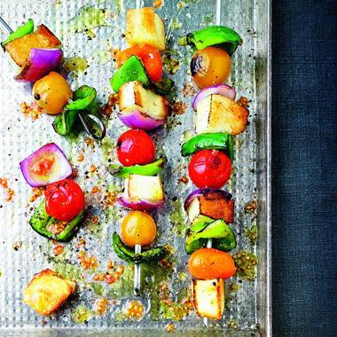 Brochettes de légumes et halloumi