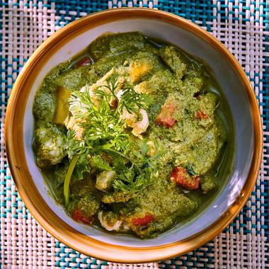 Curry vert de légumes végétarien