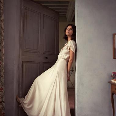 2108d3e3bcf Nanushka   Photo Presse Notre sélection de robes de mariée à moins de 500  euros - Sessùn