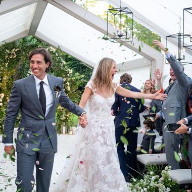 e678821b7d1 Miley Cyrus s est mariée en robe Vivienne Westwood - Madame Figaro