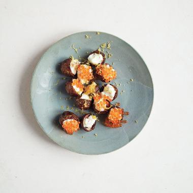 Bouchées de pommes de terre aux œufs de saumon