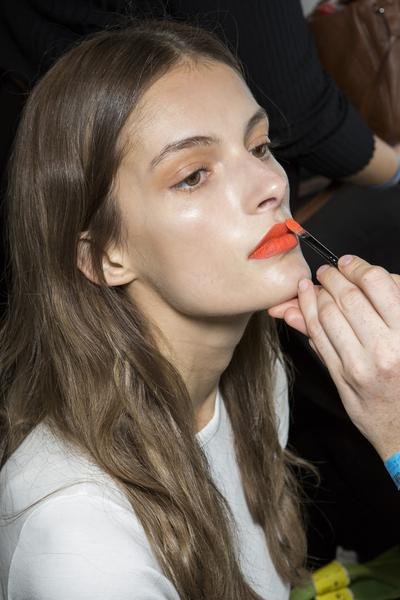 Rouge à lèvres : comment le faire durer toute la journée ?