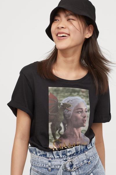 "Comment ""Game Of Thrones"" a remplacé AC/DC sur les tee-shirts"