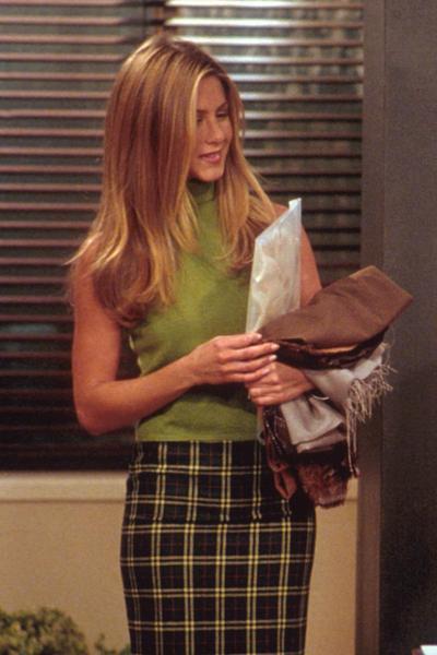 """Avis aux nostalgiques : Ralph Lauren réédite la garde-robe de Rachel Green dans """"Friends"""""""