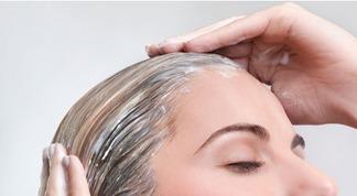 Fortifiant et démêlant, le lait d'avoine, nouvel ingrédient miracle des cheveux