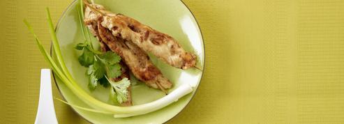 Brochettes de poulet et mayonnaise aux agrumes