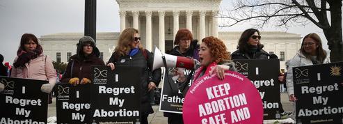 Aux États-Unis, des femmes contraintes d'être escortées et camouflées pour avorter