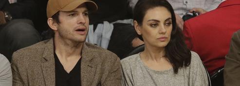 Vidéo : Mila Kunis et Ashton Kutcher se moquent avec délectation d'un tabloïd