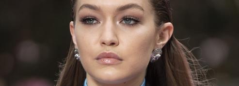 Quand Irina Shayk et les sœurs Hadid embrasent le défilé homme de Versace
