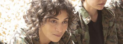 En vidéo, Camélia Jordana aux côtés des combattantes kurdes dans