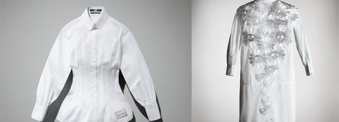 Des chemises blanches pour