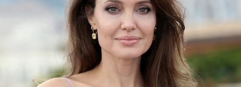 Angelina Jolie revient sur sa double mastectomie : un choix indispensable