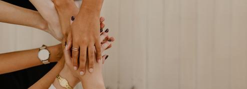 Pourquoi les femmes ont-elles plus de mal que les hommes à demander de l'aide?