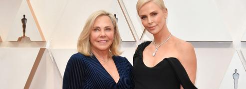 Son manager ou sa mère : avec qui venir aux Oscars pour un tapis rouge sans rumeurs ?