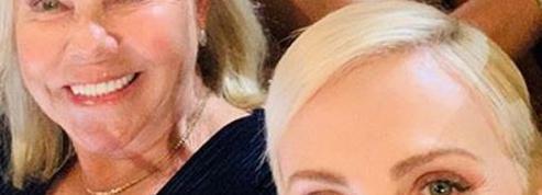 Et le meilleur selfie des Oscars est signé... Charlize Theron