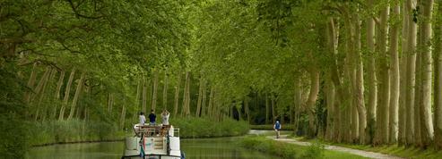 Parcourir la France sur l'eau : trois idées de destination pour les vacances