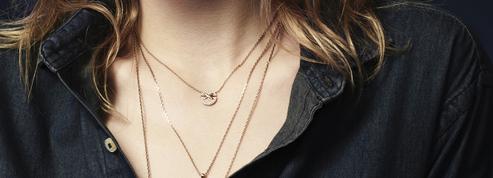 13 bijoux symboliques à offrir à une future maman