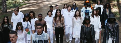 Sans public, Burberry défile en pleine forêt pour ouvrir la Fashion Week de Londres