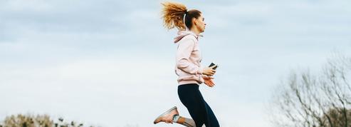 Courir avec son portable à la main : la mauvaise pratique à risque