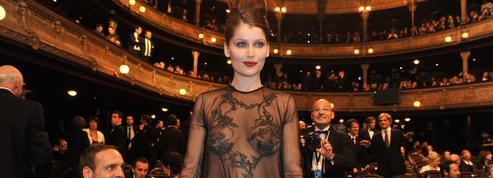 Ce (froid) soir de 2010 où Laetitia Casta a osé une robe transparente aux César