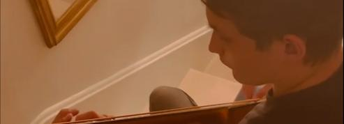 La vidéo confinement : Carla Bruni qui chante