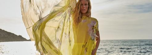 Un vestiaire couture ultra-vitaminé pour célébrer la liberté retrouvée