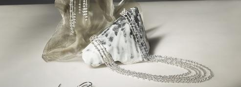 Spotted : les diamants De Beers au cou d'Emma Thompson dans le film