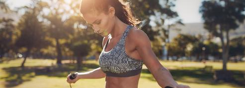 La corde à sauter, le sport facile pour perdre du poids et tonifier son corps