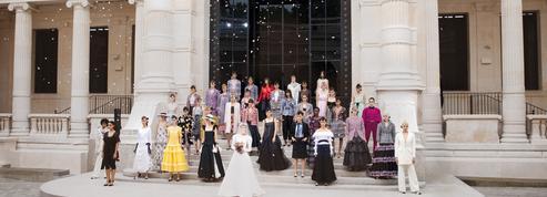 Au musée Galliera, le défilé couture Chanel invite à une rêverie impressionniste