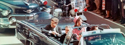 Assassinat de JFK : l'histoire peu connue derrière le tailleur rose de Jackie Kennedy
