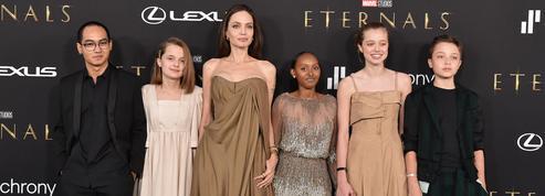 Angelina Jolie en majesté avec ses 5 enfants à l'avant-première de