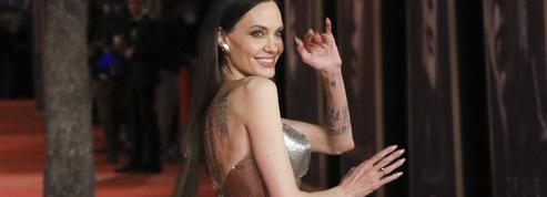 Les déroutantes extensions d'Angelina Jolie sur le tapis rouge des