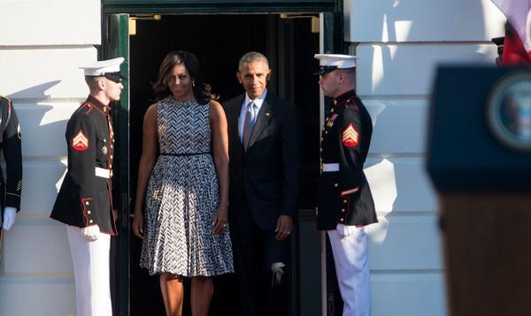 """""""Michelle était parfois frustrée, triste ou en colère"""" : heurts et malheurs des Obama à la Maison-Blanche"""
