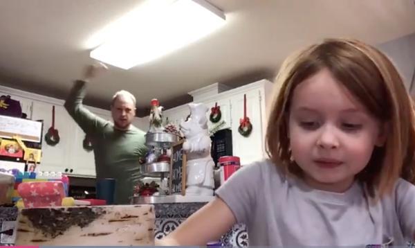 Le tuto de cette petite fille est devenu viral grâce au vidéobomb de son père