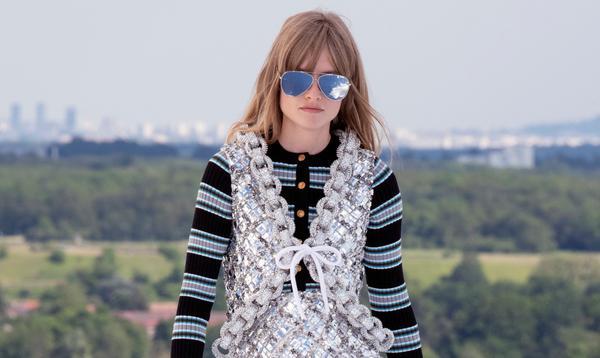 Louis Vuitton nous emmène très loin... à une heure de Paris