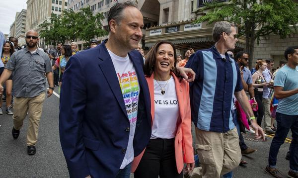 Kamala Harris est la première vice-présidente américaine à défiler pendant la Marche des fiertés