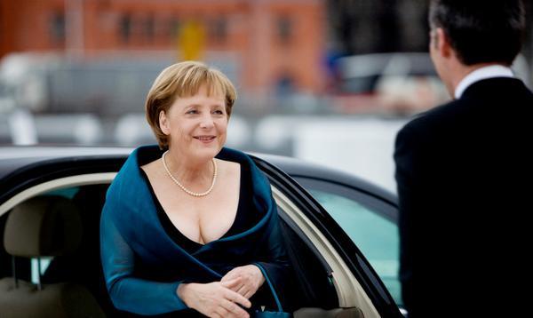Ce soir de printemps où Angela Merkel est apparue dans une robe décolletée