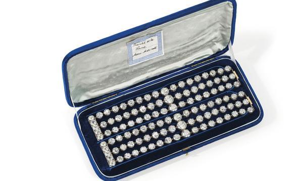 Les diamants de Marie-Antoinette ressurgissent dans une extraordinaire vente aux enchères de Christies Genève