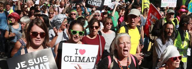 Lycéennes, militantes, employées dans la mode : elles ont s'engagent pour le climat