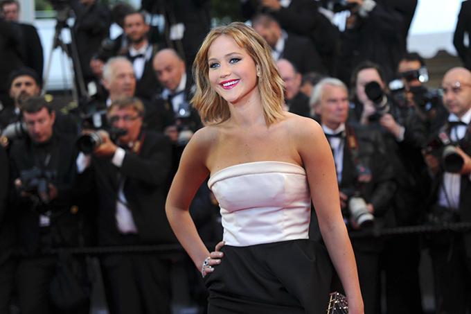 qui est Jennifer Lawrence datant juin 2013 BYU Divine Comédie rencontres jeux