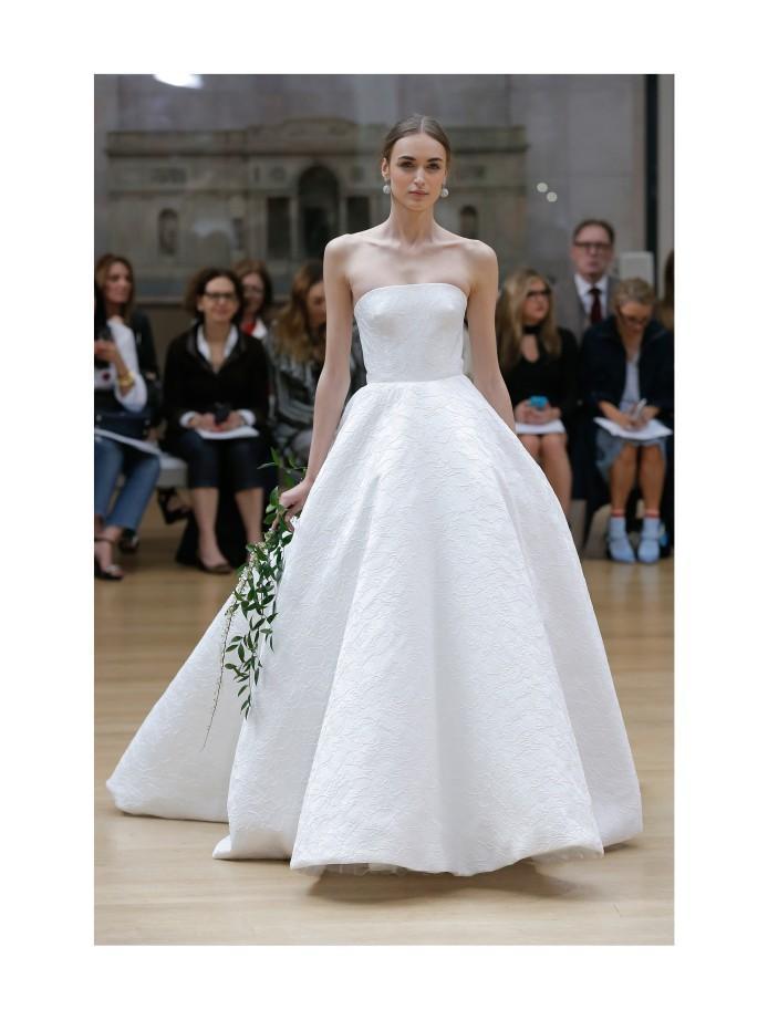 Quelle robe de mariée choisir lorsque l on a une forte poitrine   - Madame  Figaro 57b987e466d
